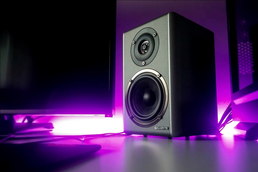 Do Studio Monitors Need An Interface?